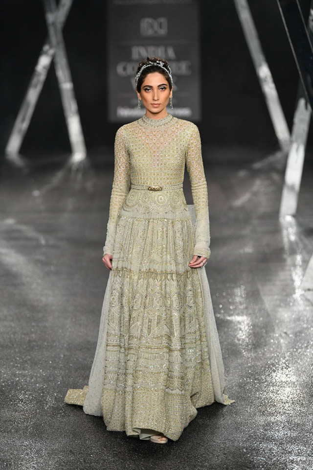 Falguni-and-Shane-Peacock-formal-dresses-collection