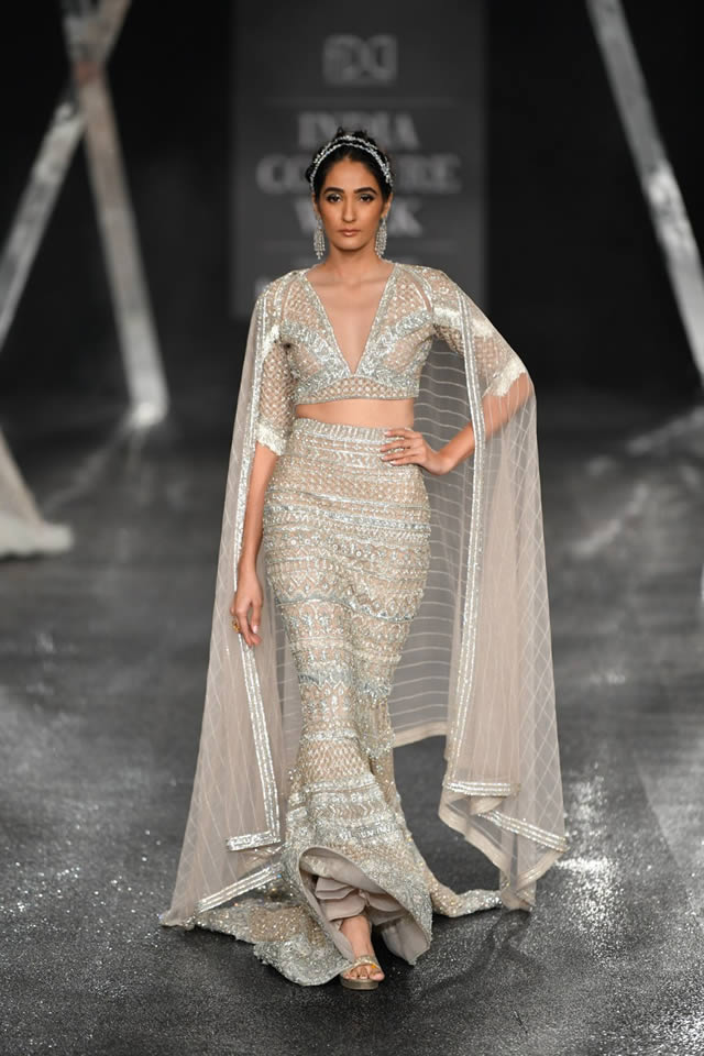 Falguni-and-Shane-Peacock-new-collection