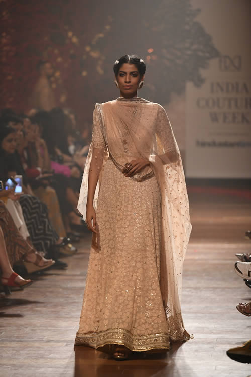 Fashion-designer-Tarun-Tahiliani-evening-wear-dresses