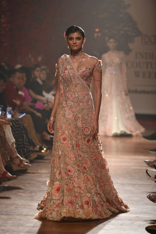 Fashion-designer-Tarun-Tahiliani-women-fashion