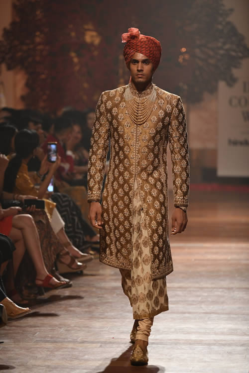 Tarun-Tahiliani-formal-wear-collection