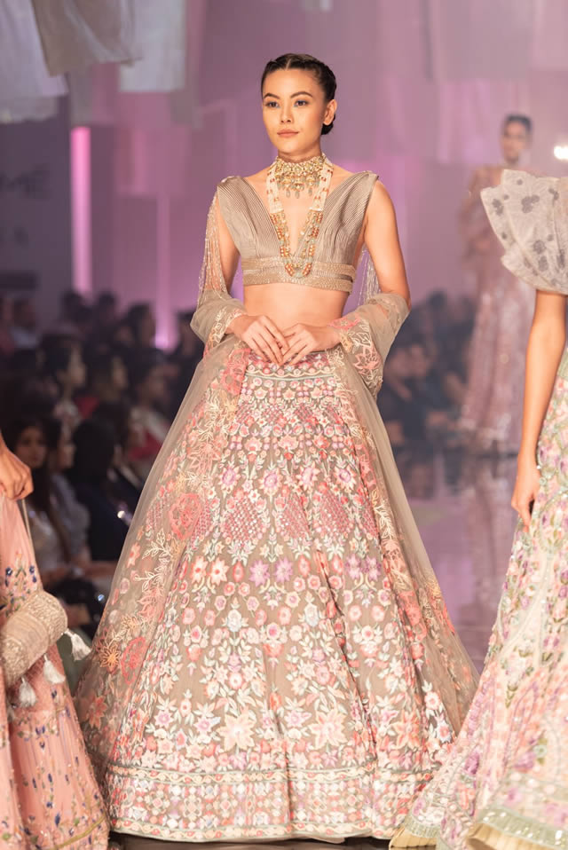 Manish-Malhotra-Bridal-Collection-2019