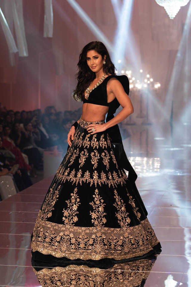 Katrina Kaif Walks The Ramp For Fashion Designer Manish Malhotra Women Fashion Blog