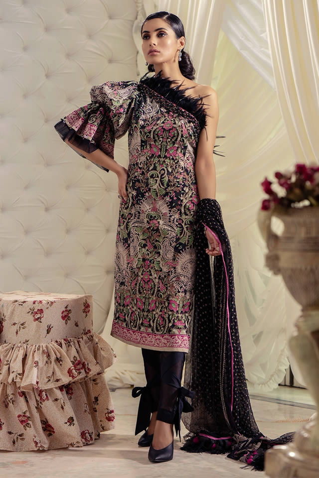 alkaram-studio-lyrique-3-piece-printed-suit-with-chiffon-dupatta