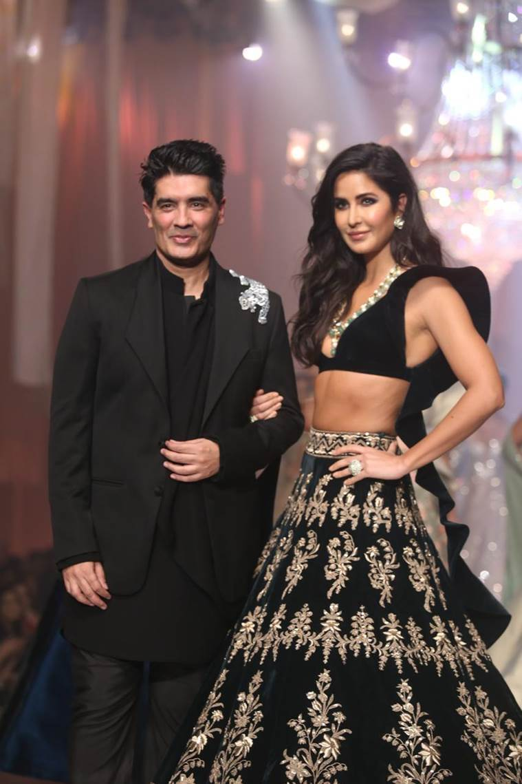 katrina-kaif-with-manish-malhotra-at-the-ramp