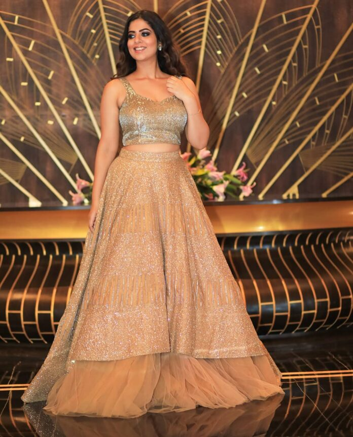 sequin-adorned-gold-bridal-lehenga-dresses-designs