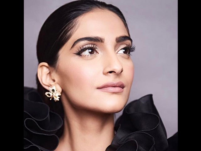 sonam-on-ban-on-bollywood-films-in-pakistan