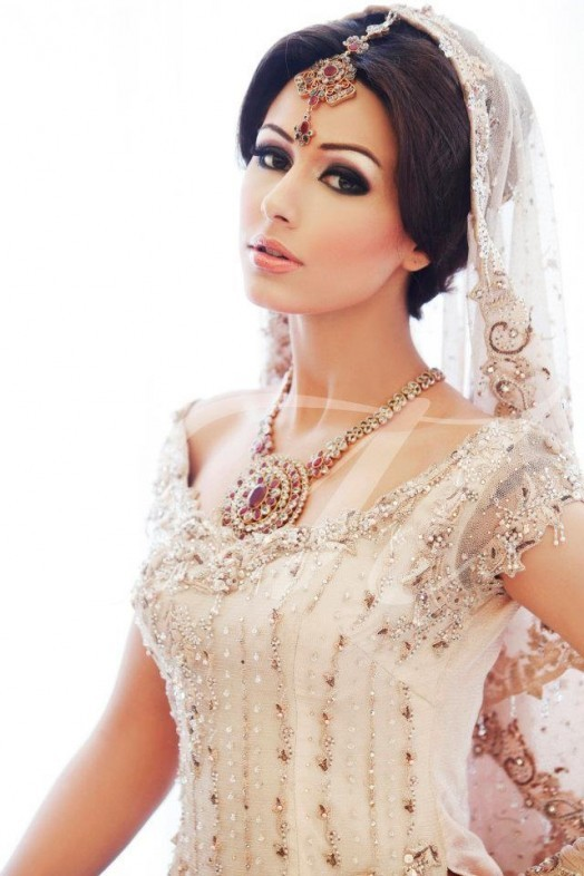 Extravagance-Makeup-for-Bride