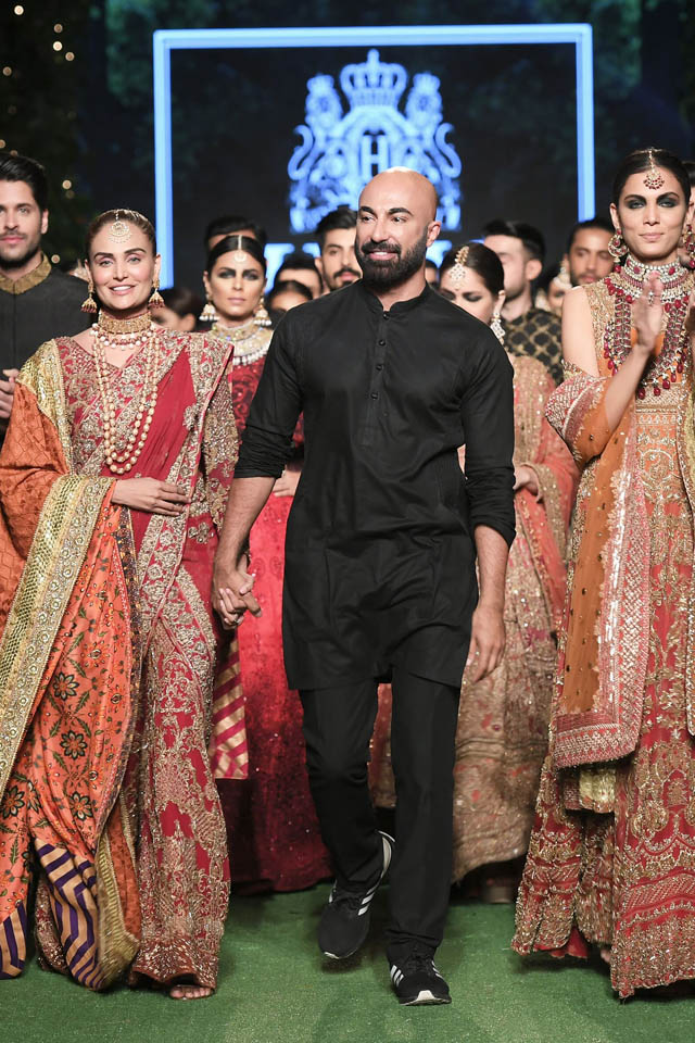 HSY-Bridal-Collection-PFDC-Bridal-Week-2019