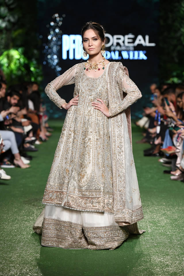 Nida-Azwer-Luxury-Dresses
