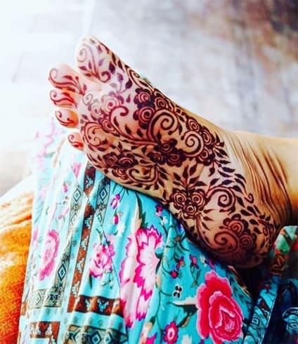 mehndi-designs-under-feet