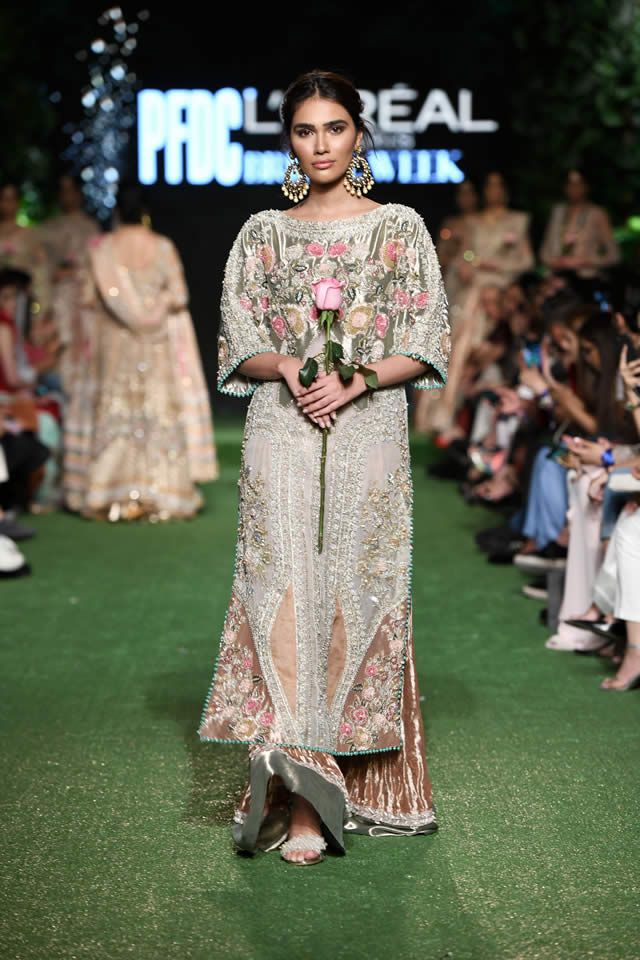 saira-shakira-bridal-collection-2019-pfdc