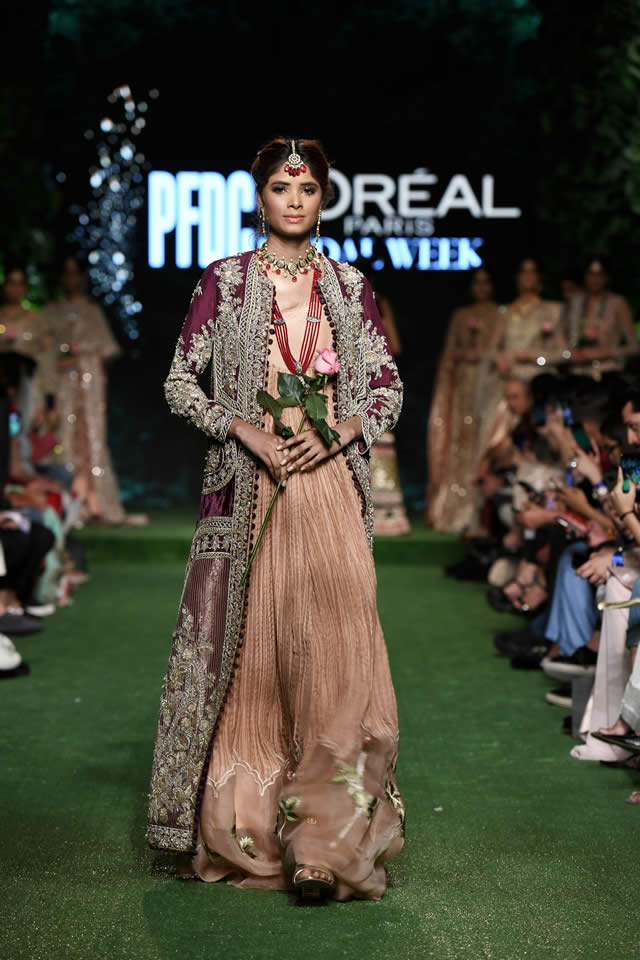 saira-shakira-bridal-dresses-collection-at-pfdc-2019-