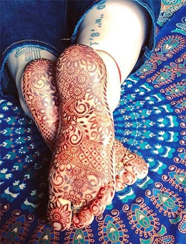 sole-of-foot-mehndi-designs