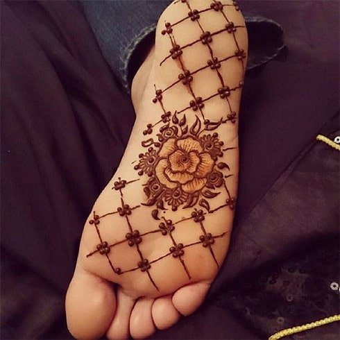 soles-of-feet-henna-designs