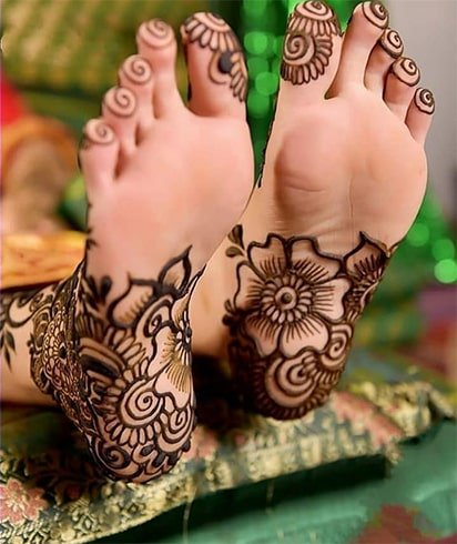 soles-of-feet-mehndi-designs