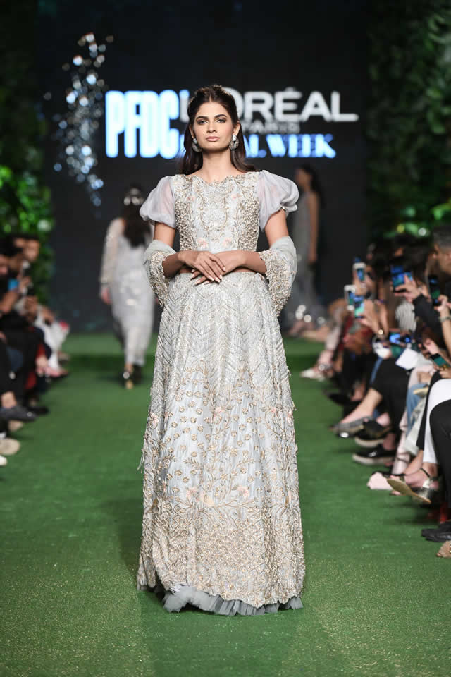 zubia-zainab-bridal-collection-2019-bridal-week-2019
