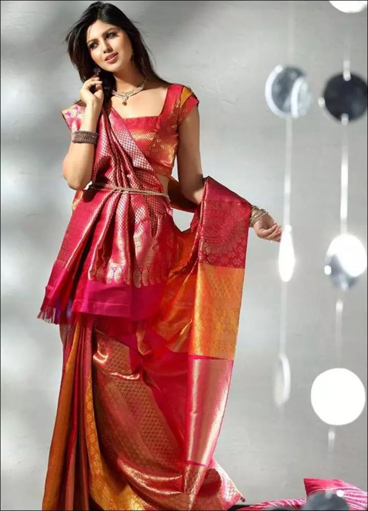 Red-Blouse-Designs-For-Silk-Sarees