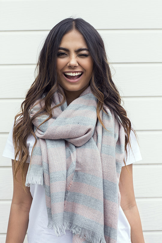 pret-sweaters-and-scarves-images