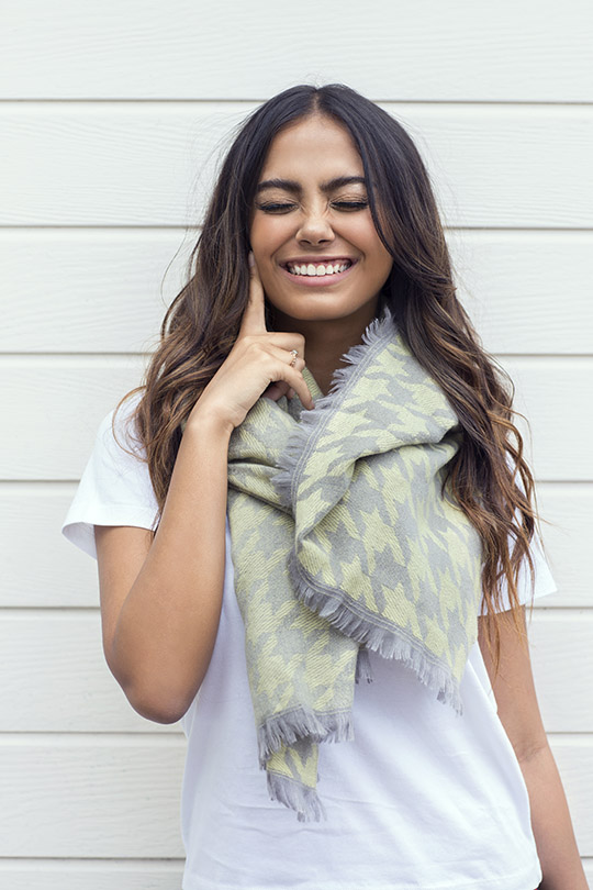 womens-shawls-and-wraps