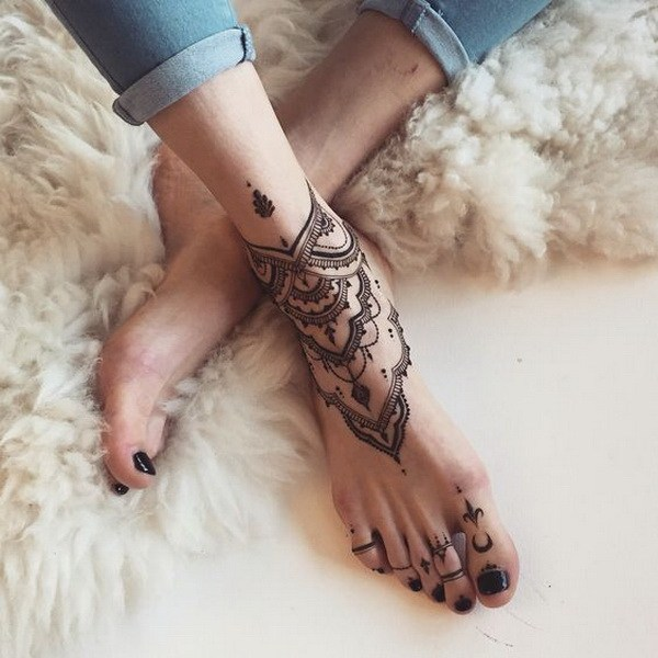 Jeweled Show Tattoos For Girls On Foot