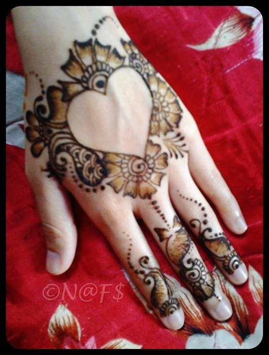 Simple-Mehndi-Designs-For-Girls