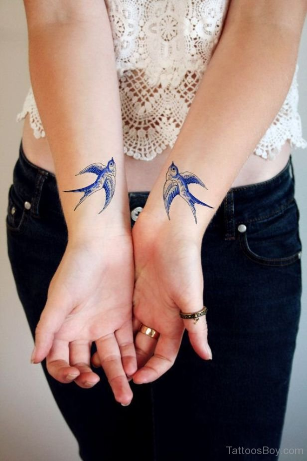 Swallow-Tattoo-Design-On-Wrist