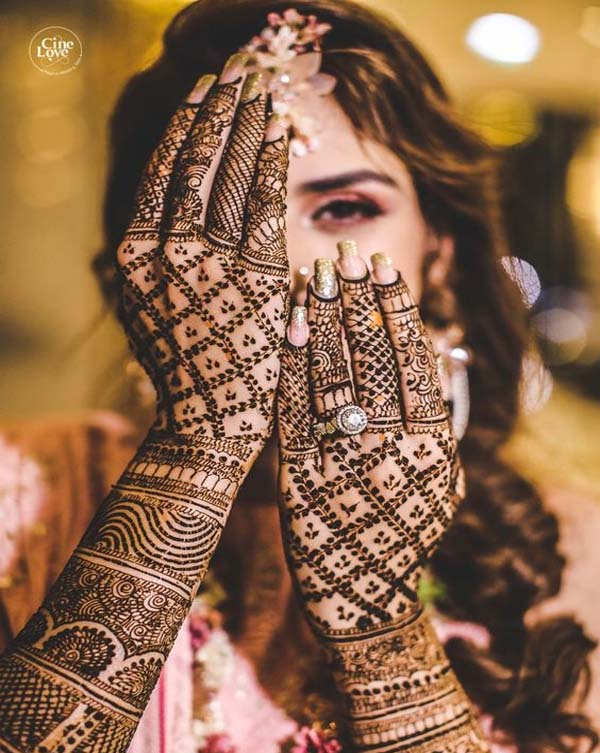 mehndi-designs-bridal-2020