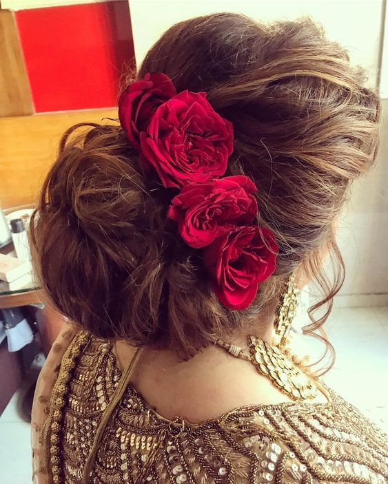 messy-bun-hairstyles-for-indian-wedding