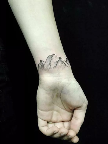 mountain-wrist-tattoos