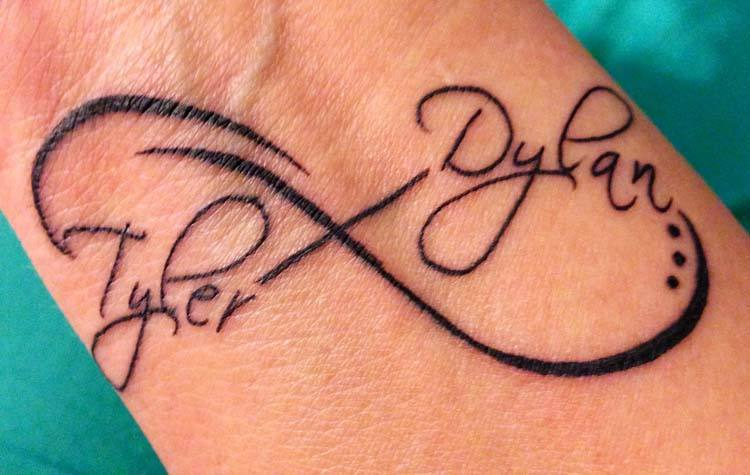 name-tattoo-designs-on-wrist