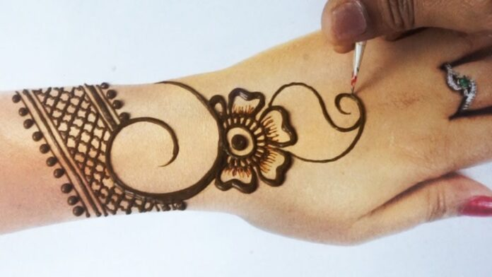 Easy and Simple Mehndi Designs for Hands Images 2020 [Latest
