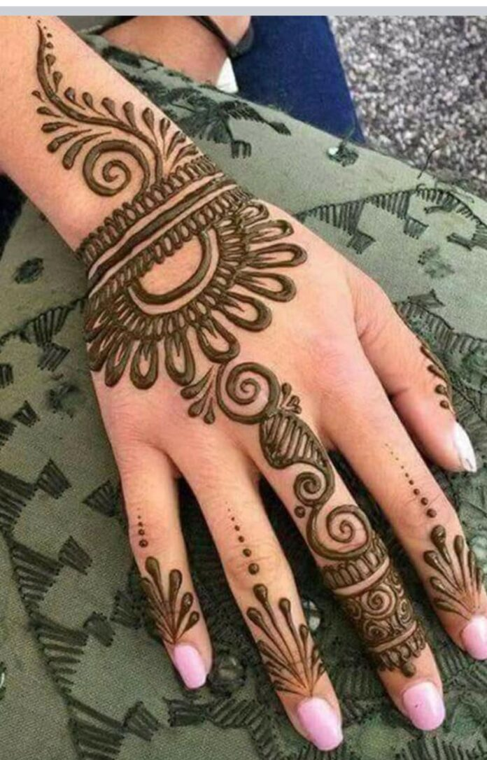 simple-circle-mehndi-designs-for-hands