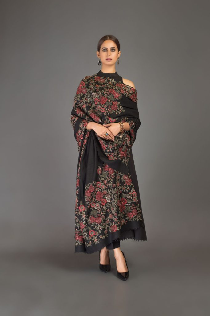 Bareeze-Luxury-Winter-Embroidered-Dresses-Shawls-Designs-7