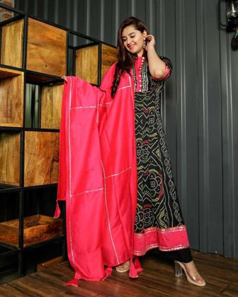 attractive-moghal-look-bandhani-anarkali-churidar