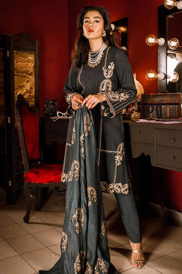 cross-stitch-winter-dresses-design-in-pakistan-2020
