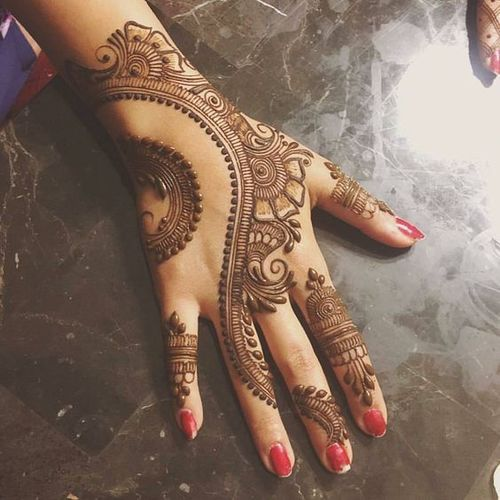 mehndi-designs-for-hand-simple