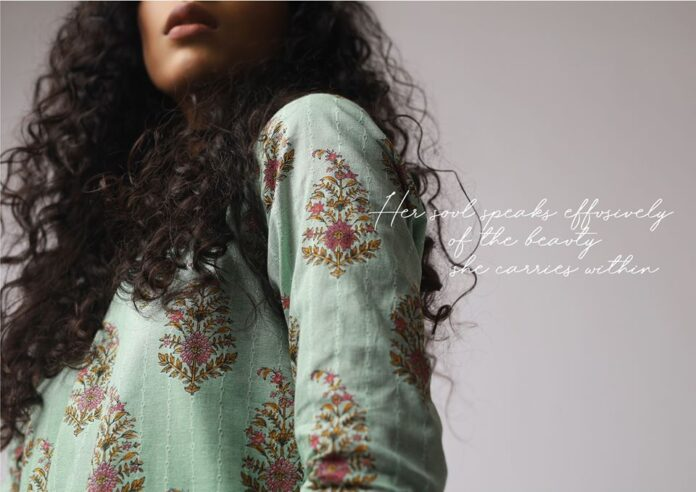 alkaram-new-lawn-collection-in-pakistan