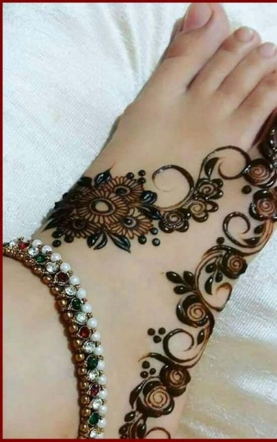 foot-mehndi-designs-easy