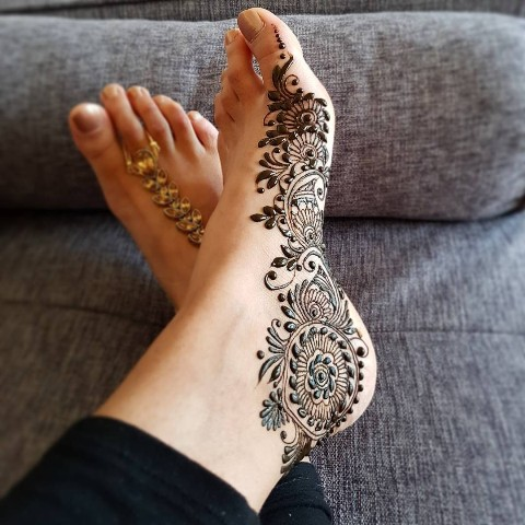 mehndi-designs-for-foot-and-legs