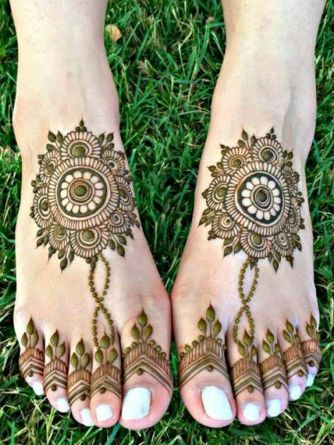 simple-foot-mehndi
