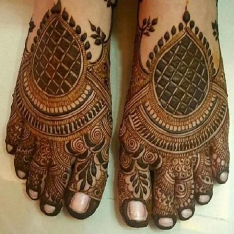 unique-foot-mehndi-designs