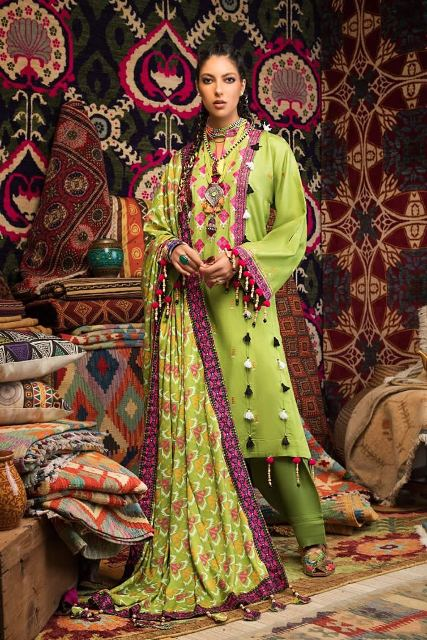 gul-ahmed-pre-fall-embroidered-linen-collection-5