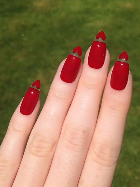 Red-Nails-with-Heart-Tips